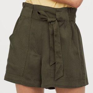 Like New H&M Conscious Paperbag Shorts Khaki Green